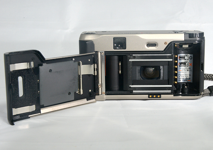 フィルムカメラ 【コンタックス CONTAX Tvs 】Carl Zeiss Vario Sonnar 3.5-6.5/28-56 コンパクトカメラ 中古_画像5