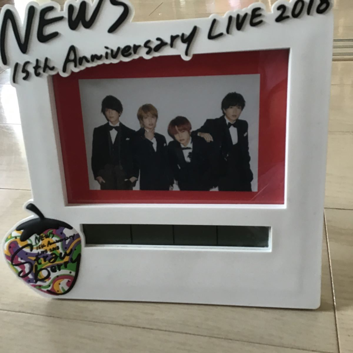 hot sale online 333f8 e7966 NEWS strawberry anniversary clock (時計)箱無し(代买.代标 ...