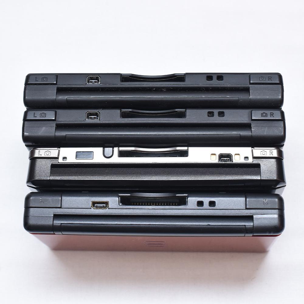 Nintendo 任天堂 DS Lite レッド 3DS ブラック DSi ブラックx2 + 3DS カセット、DSカセット、GBA 有名ソフト多数 ポケモン ドラクエ ボンバ_画像8