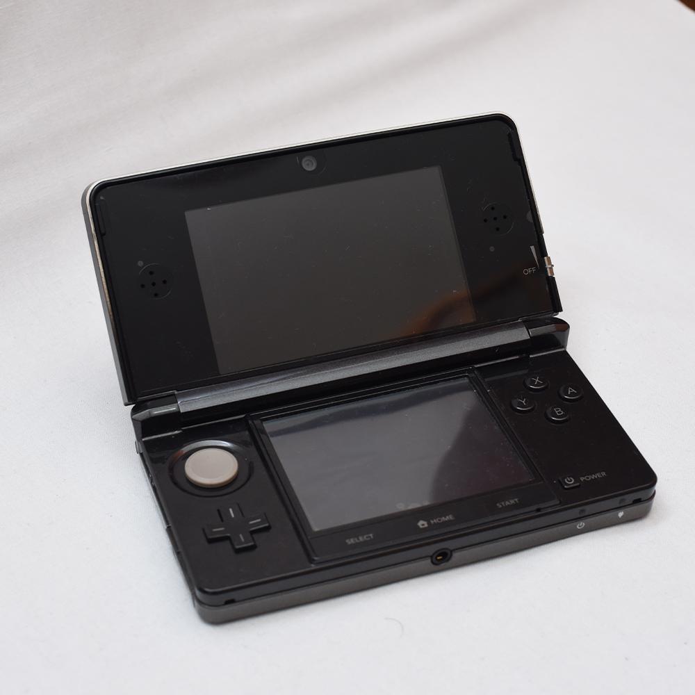 Nintendo 任天堂 DS Lite レッド 3DS ブラック DSi ブラックx2 + 3DS カセット、DSカセット、GBA 有名ソフト多数 ポケモン ドラクエ ボンバ_画像5