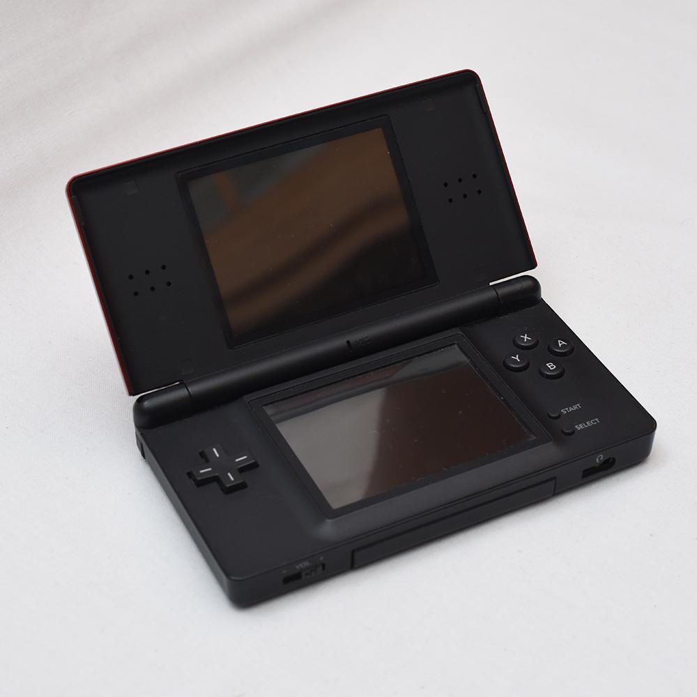 Nintendo 任天堂 DS Lite レッド 3DS ブラック DSi ブラックx2 + 3DS カセット、DSカセット、GBA 有名ソフト多数 ポケモン ドラクエ ボンバ_画像6