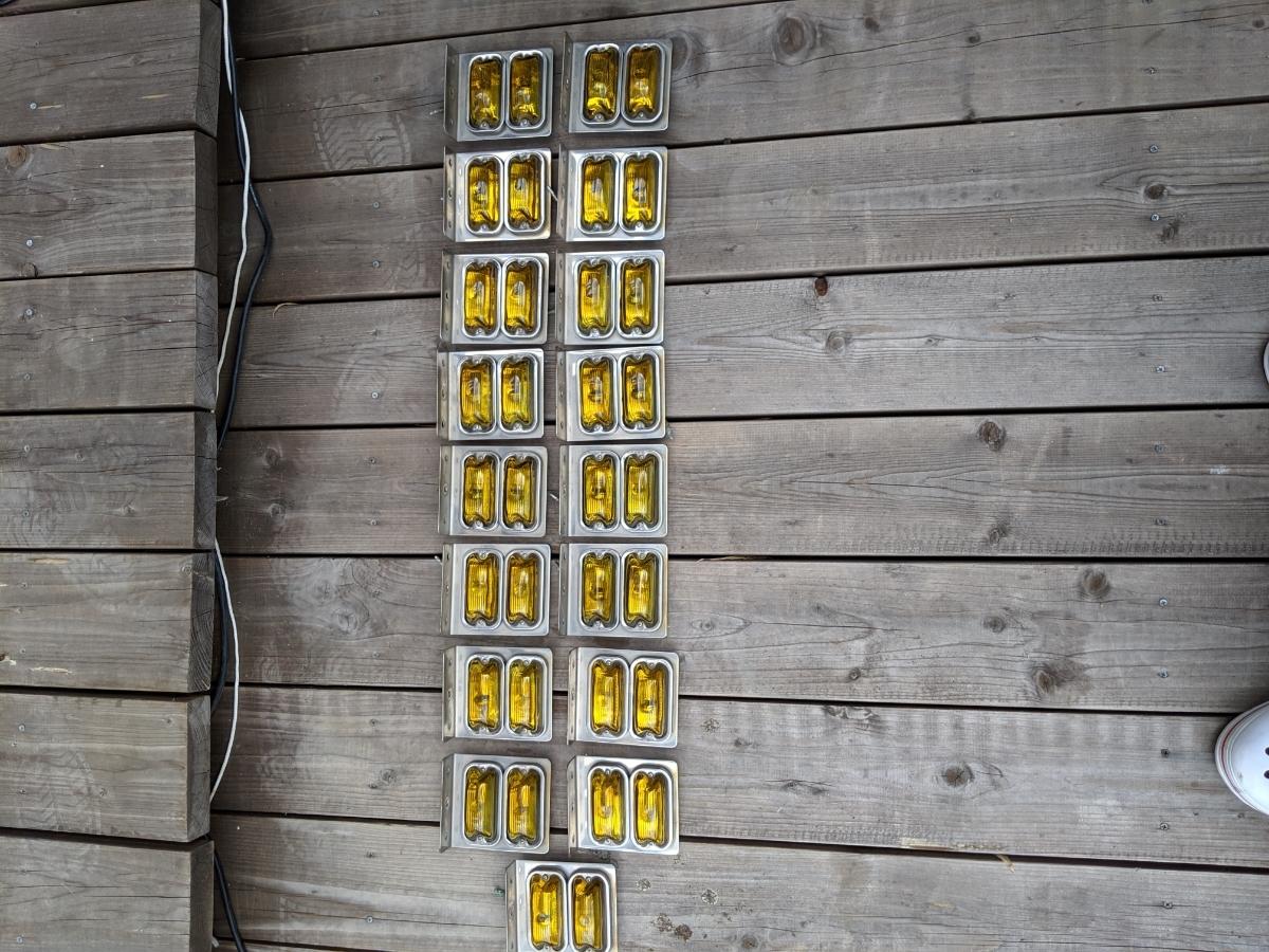 レトロ デコトラ かまぼこマーカー でべそマーカー 黄色 イエロー 2連ステー付