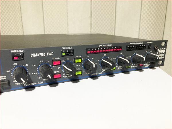 dbx 1066 USA製 正常動作品 2chコンプレッサー SN015226_画像3