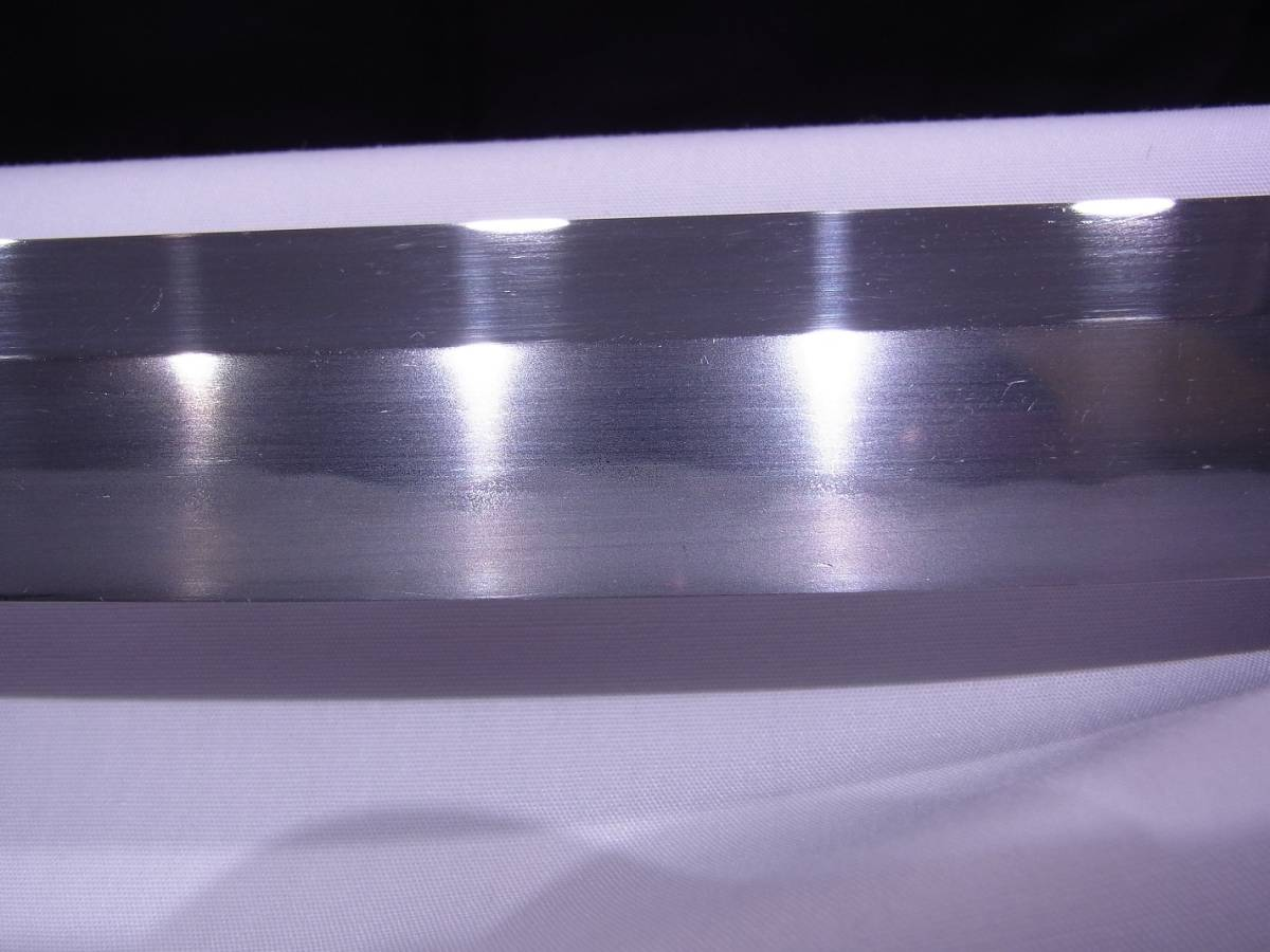 斬鉄剣! 初代『 小林康宏 』刀匠の打った大変希少な『高輪打ち』そして更に希少な『 太刀 』 刃長73cm 反り2.0cm_画像9