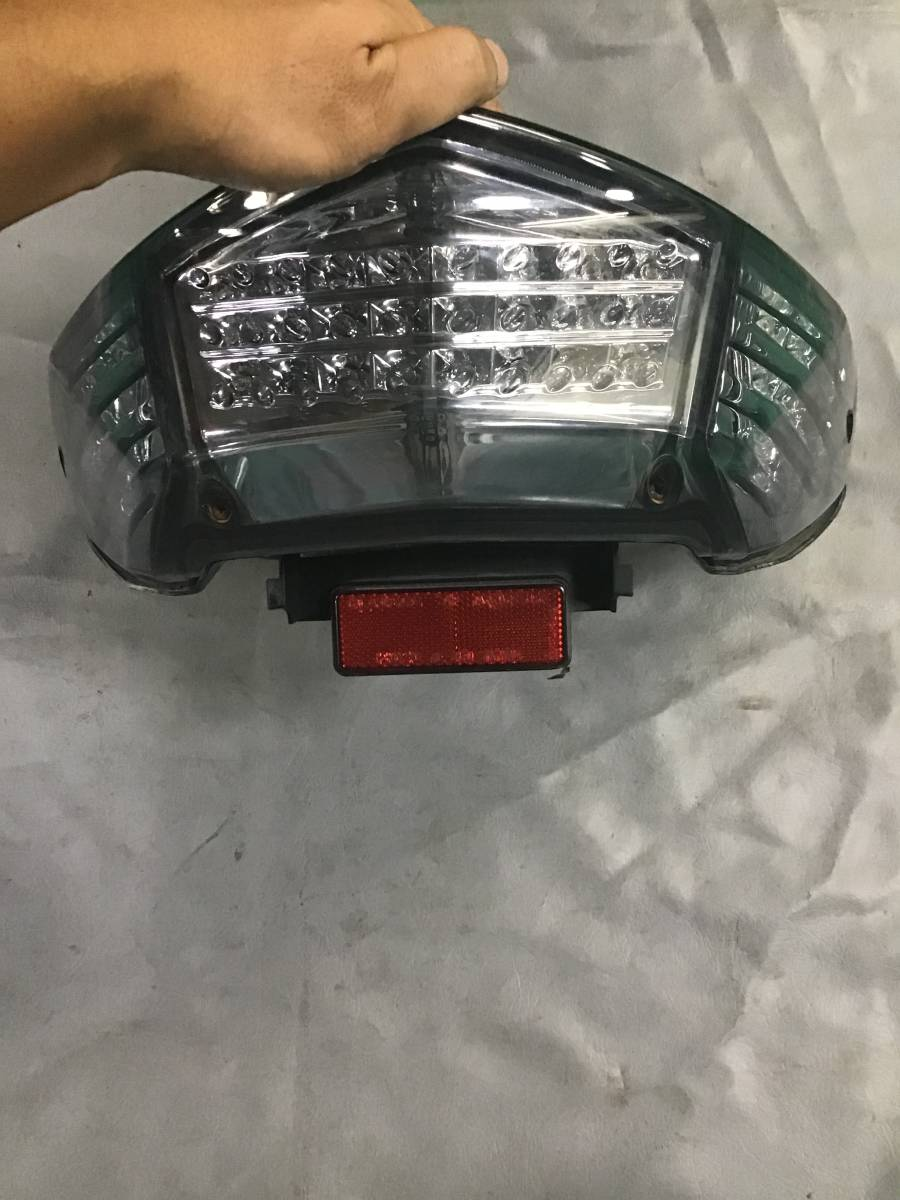 YAMAHA シグナスX 2型? フルLEDテールランプ SE44J 点灯確認済み (検索用) SE12J SEA5J 1型3型4型5型 テールレンズ_画像3