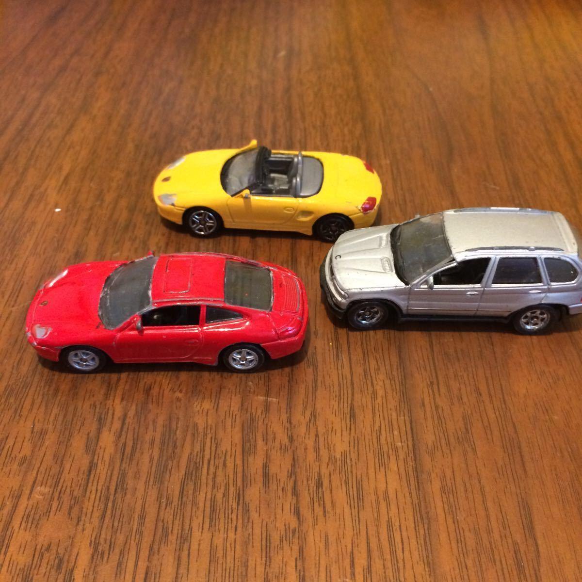 WELLY 2台 ポルシェ BMW とメーカー不明ポルシェ合計3台 ミニカー 中古_画像1