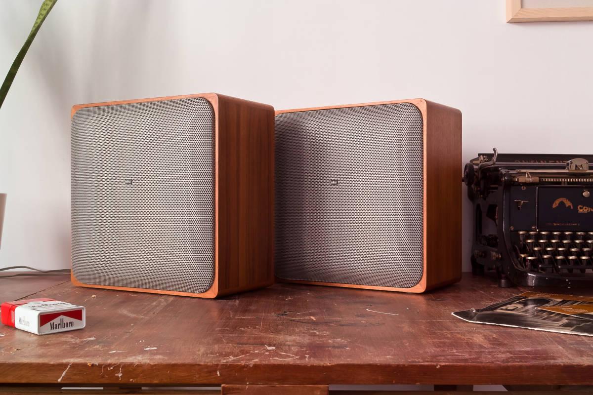 本格ドイツ音響 Braun SM1002S 超貴重 Dieter Rams Design Studio Monitor 完全動作品 Charlie Studio Warszawa から送料無料!_画像3
