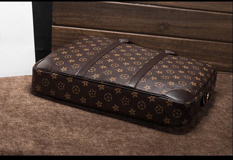 【超高級定価49万円】 極上品 100%高品質 通勤バッグ 大容量  リュック ブラックメンズバッグ ビジネスバック 大量入れ d-64_画像4