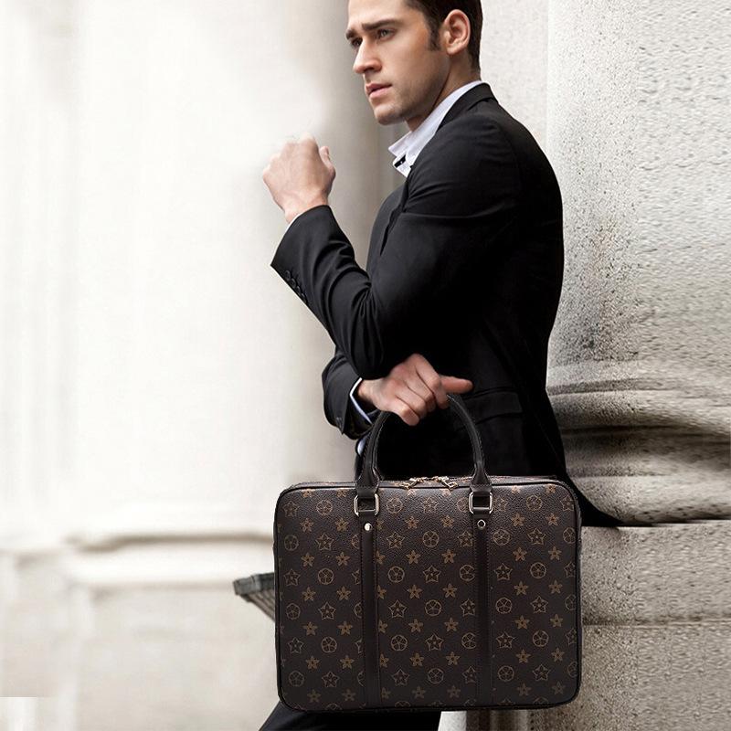 【超高級定価49万円】 極上品 100%高品質 通勤バッグ 大容量  リュック ブラックメンズバッグ ビジネスバック 大量入れ d-64_画像2