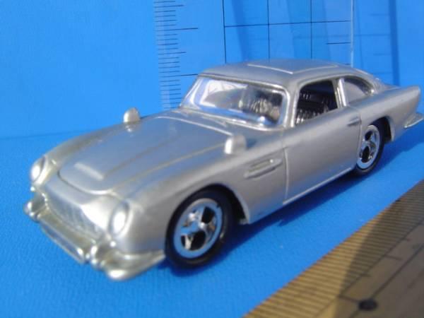 ダイキャストアストンマーチン車007ジェームズボンドカー合金属 Aston Martin james bond carムービー_画像1