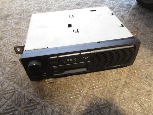 1730240 ミニキャブ U61V ラジオ スピーカー一体型 MN141632_画像1