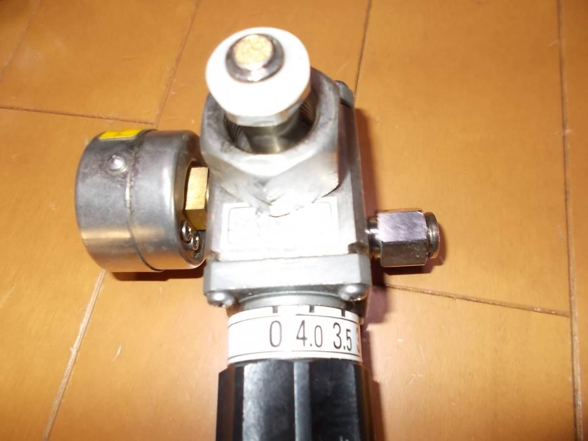 ビールサーバー用 減圧弁 アサヒ メーター付き 高圧用  ミドボン 4・0  27年 10月整備 キリン_画像2