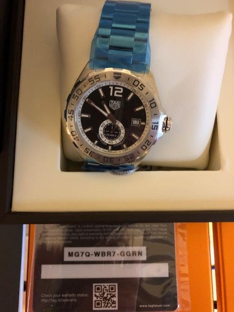 新品 未使用品 TAG Heuer タグ・ホイヤー メンズ腕時計 フォーミュラ1 WAZ2012.BA0842 カメラのキタムラで2019年6月に購入 定価199,800_画像4