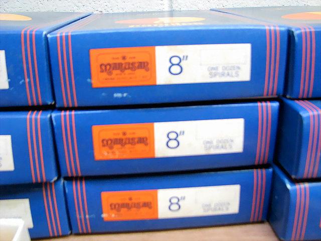 残り8ケース☆スパイラルキャンドル 赤 8インチ 12本入りx8ケース 計96本 長期保存品 ろうそく ローソク_画像3