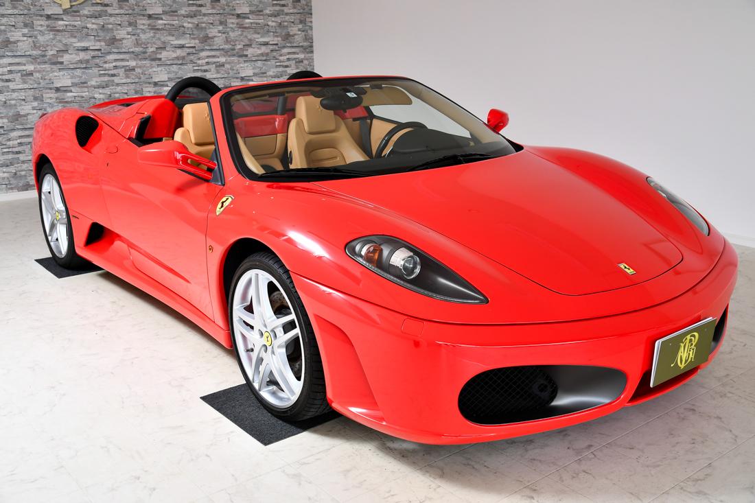 F1と同じ外装カラーです!とても珍しいです!