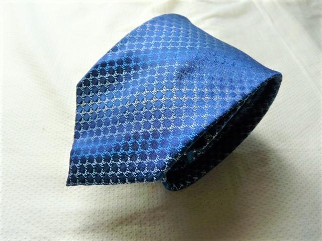 A728 美品高級ルイ・ヴィトン総ロゴ付きの素敵な厚手ネクタイ