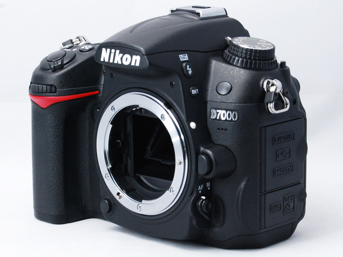 ■ショット数極小■ ニコン Nikon D7000 18-105mm VR レンズキット《ショット数わずか2333回》元箱付・付属品多数 #F2902N01230_画像2
