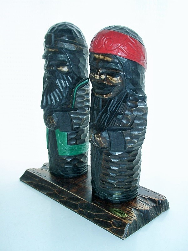 ★全国送料無料! 北海道 アイヌ 木彫り人形 木彫民芸品 ウポポイ_画像2