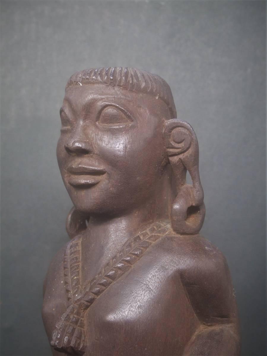 木製 アフリカ彫刻 首狩り族像 一点物_画像1
