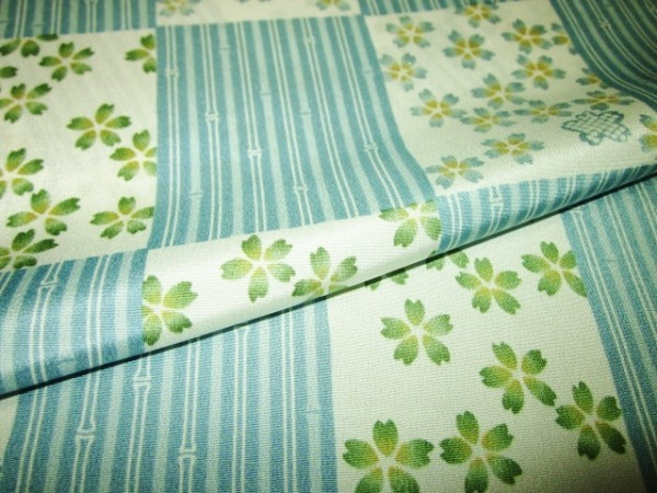 【京わぎれ】正絹 長襦袢はぎれ 市松取に桜 地味ブルー系 替え袖用2.2m②_画像4
