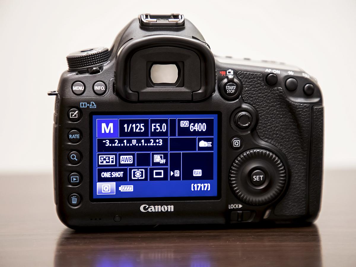 ★プロ定番デジタル一眼『Canon EOS 5D Mark III』ズームレンズキット。美品。付属品・元箱/64GB SDカード付。送料無料!_画像4