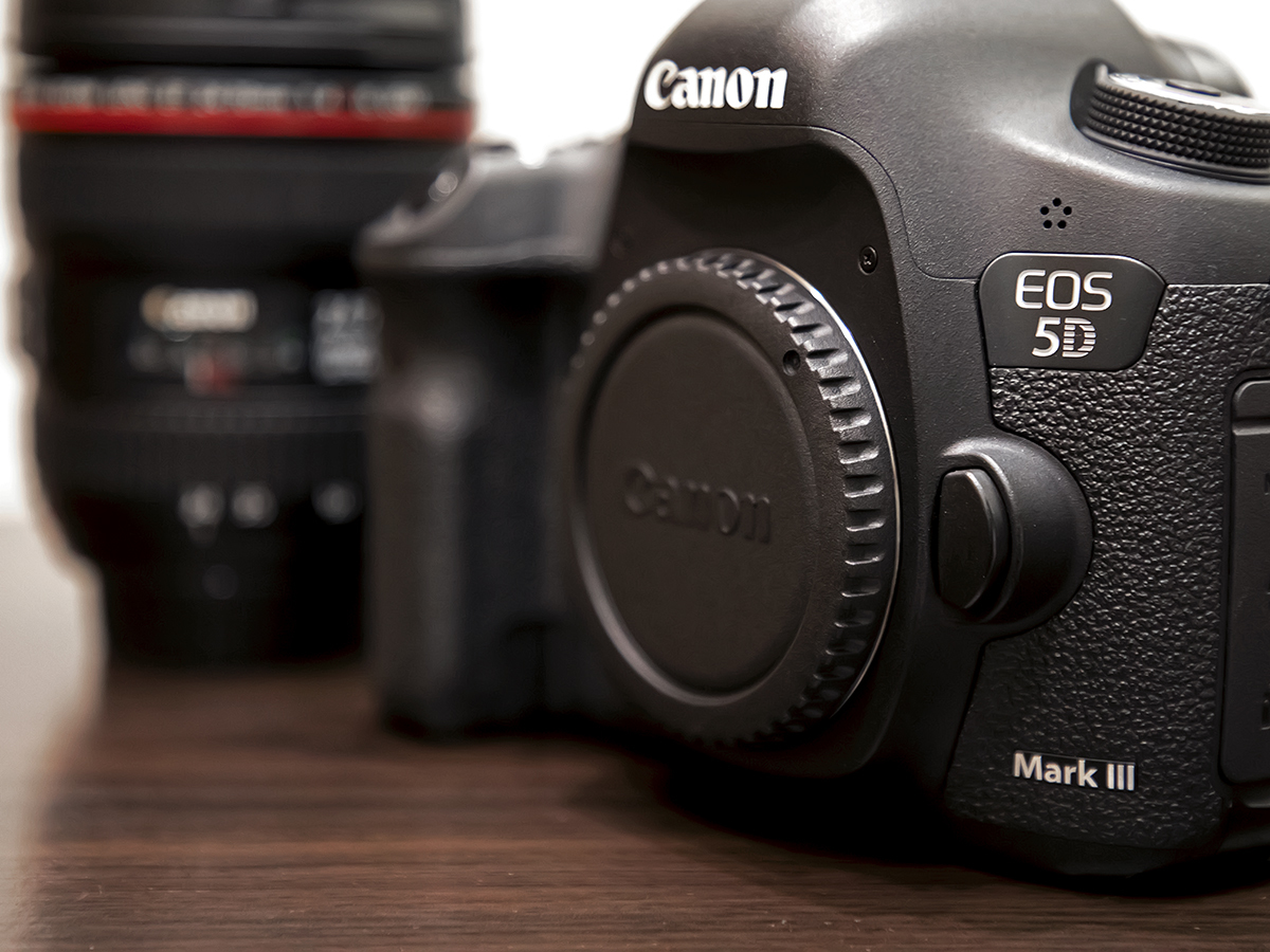 ★プロ定番デジタル一眼『Canon EOS 5D Mark III』ズームレンズキット。美品。付属品・元箱/64GB SDカード付。送料無料!_画像6