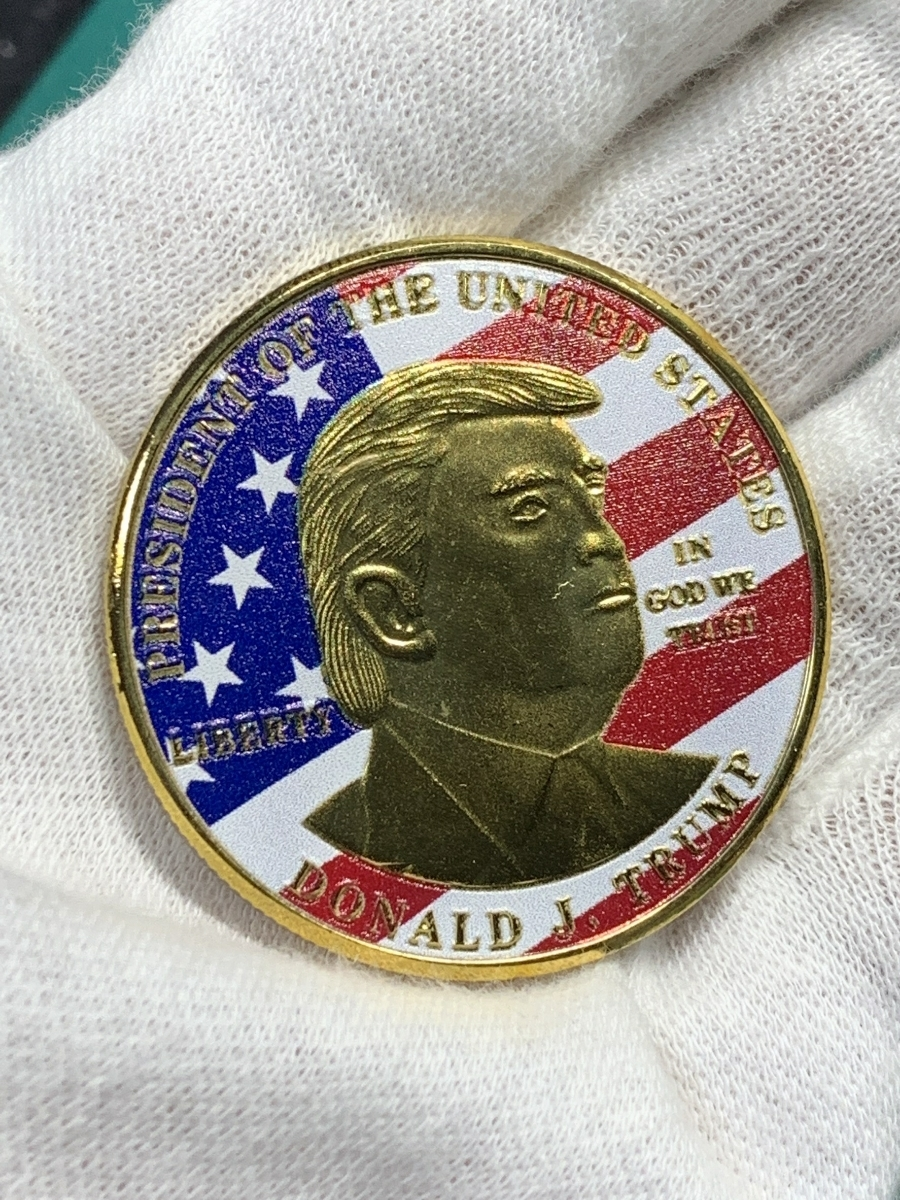 【Ωコイン】アメリカ ドナルド・トランプ大統領 ゴールド色系ver 共和党 検)非古銭硬貨貨幣金貨 レア記念 メダルグッズ 外国 m12_画像4