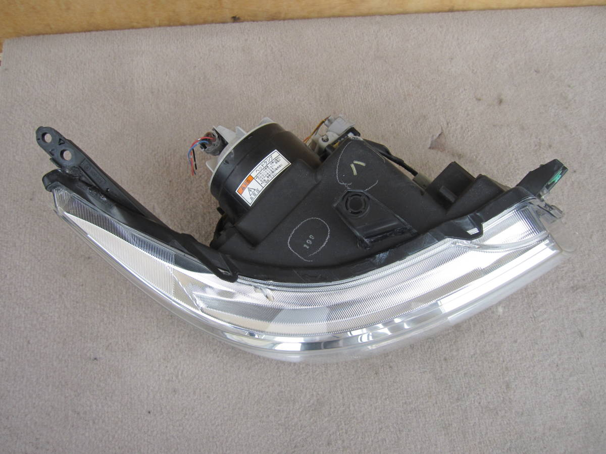 ワゴンR スティングレィ MH23S HIDヘッドライト右 KOITO 100-59191 (中古品F0928B)_画像4