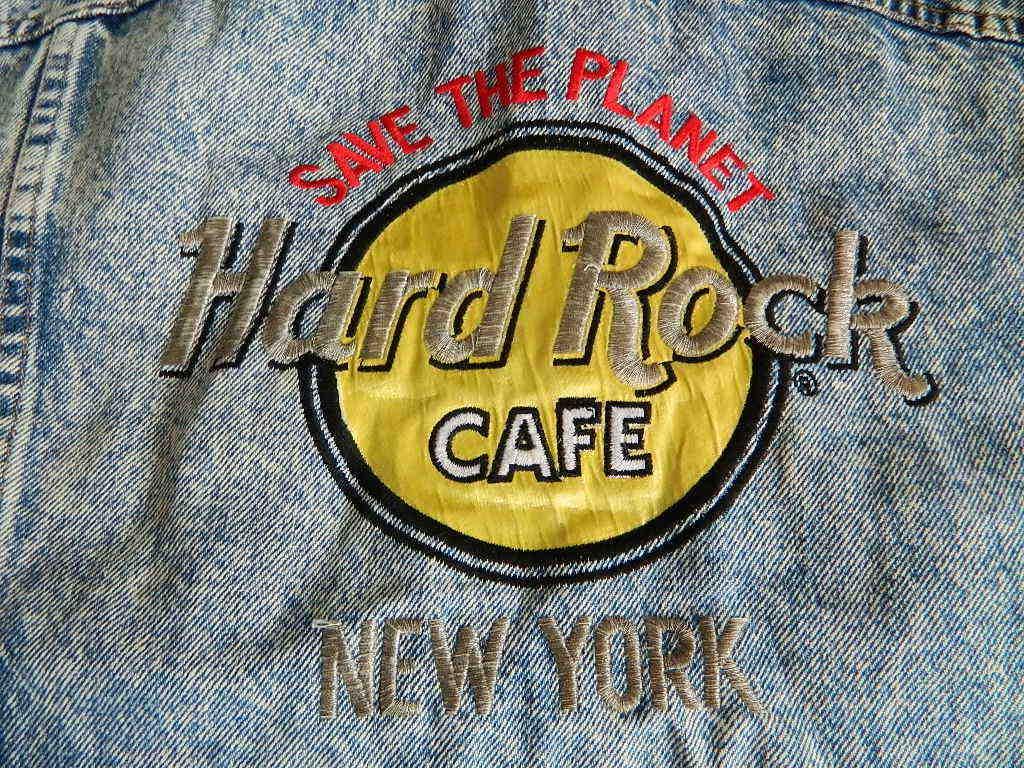 ☆☆ハードロックカフェのデニムジャケット(Hard Rock CAFE NEW YORK)リーバイス USA製 中古_画像2