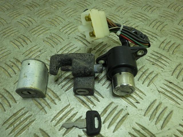 LA250Tカスタム MC07 キーシリンダー3点セット ジャンク MC07-1201***