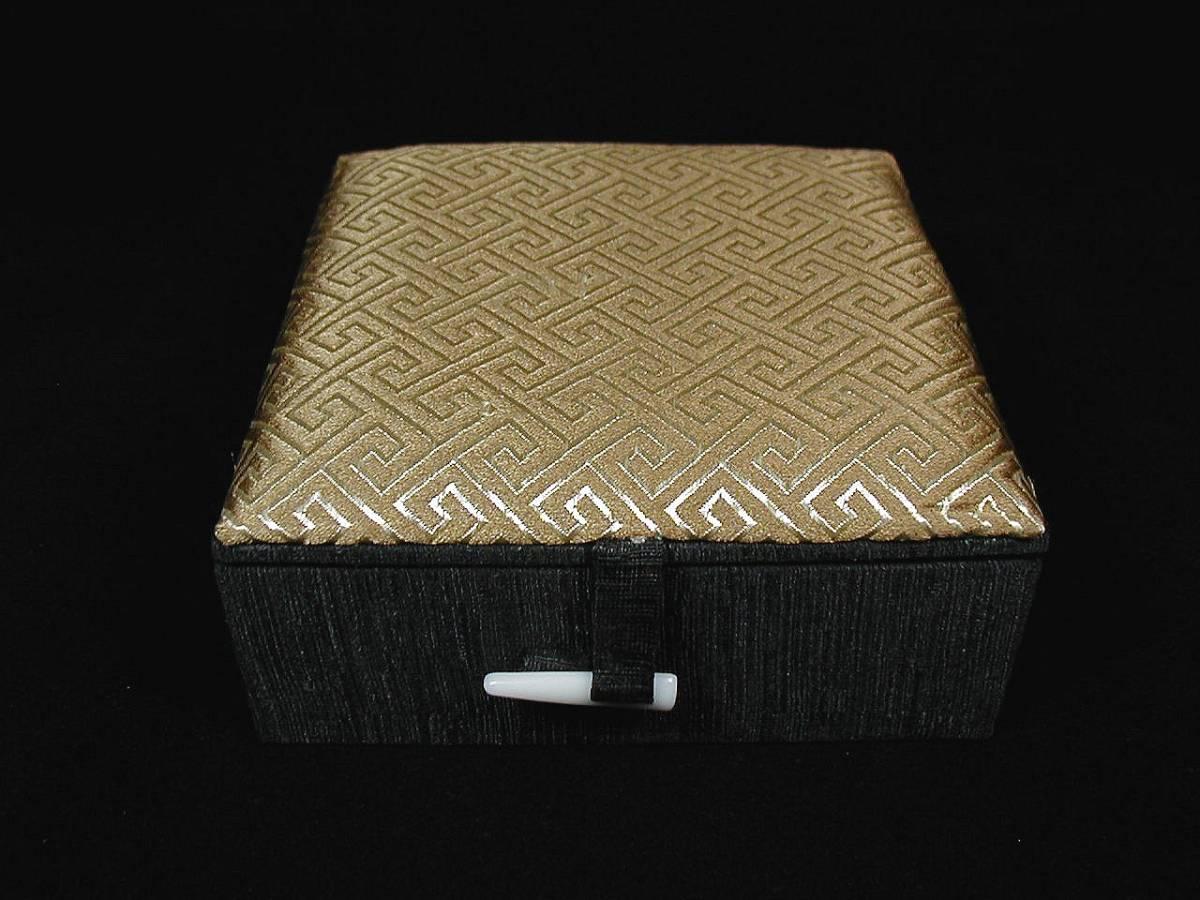 ♪即決 【壽】重0.510KG天然最高級珍品水厳白端端硯硯板 最高級専用手工芸絹張り木製収蔵ケース付き_画像9