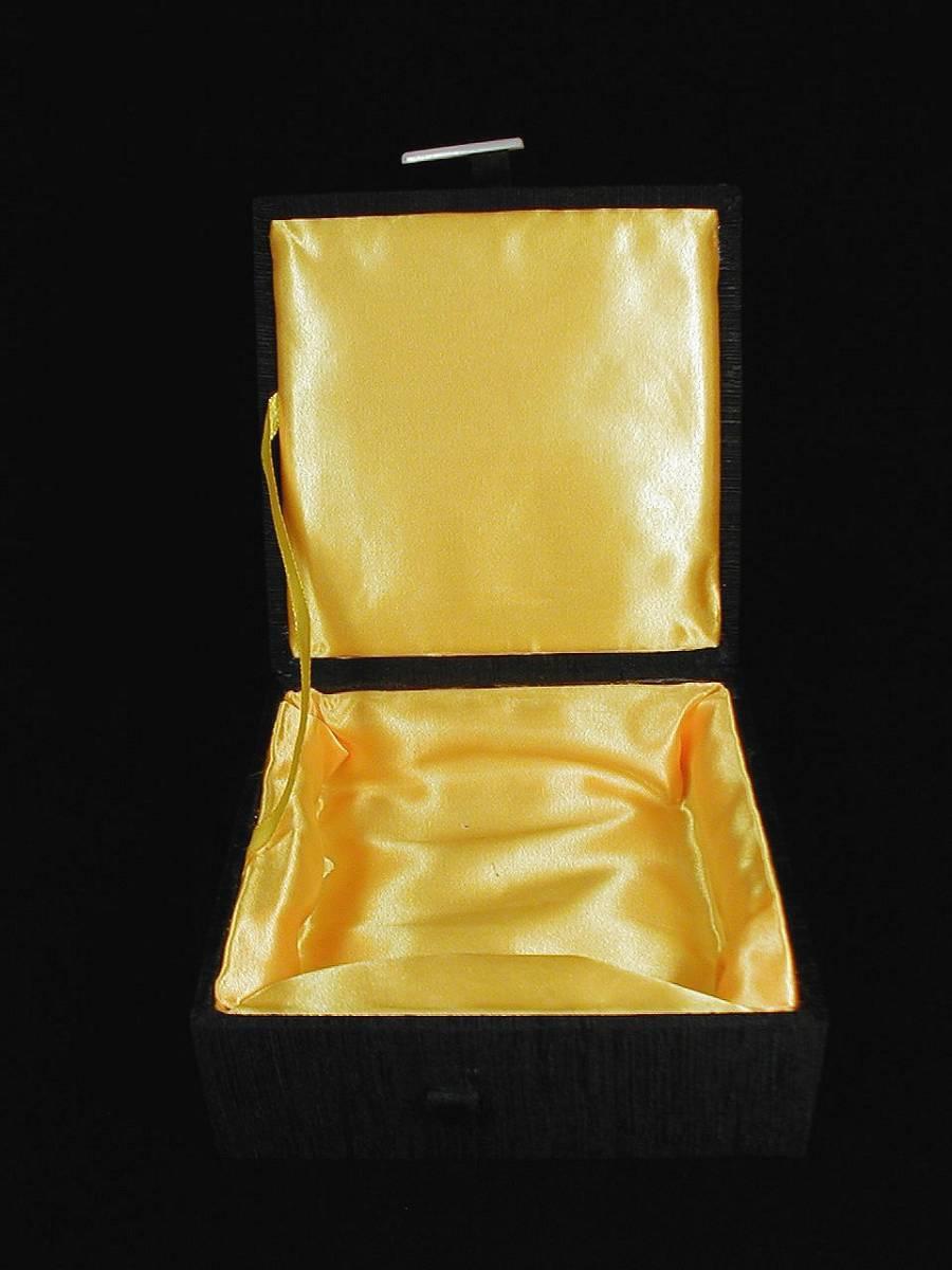 ♪即決 【壽】重0.510KG天然最高級珍品水厳白端端硯硯板 最高級専用手工芸絹張り木製収蔵ケース付き_画像10