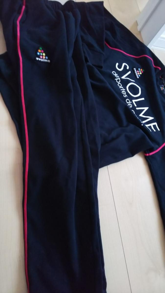 美品!スボルメ SVOLME ジャージ スウェット上下セット!紺×ピンクライン 160cm バックプリントが可愛い!_画像3