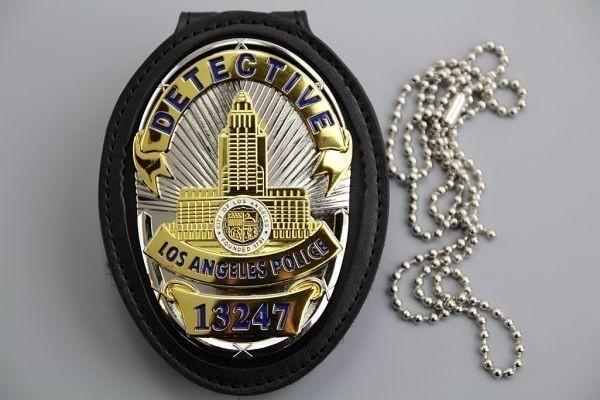 3693B ★LAPD ロサンゼルス市警察 カットアウト レザーホルダー ベルトクリップ付 NYPD Police バッチ ポリスバッジ ▽_画像7