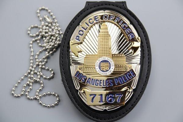 3693B ★LAPD ロサンゼルス市警察 カットアウト レザーホルダー ベルトクリップ付 NYPD Police バッチ ポリスバッジ ▽_画像6