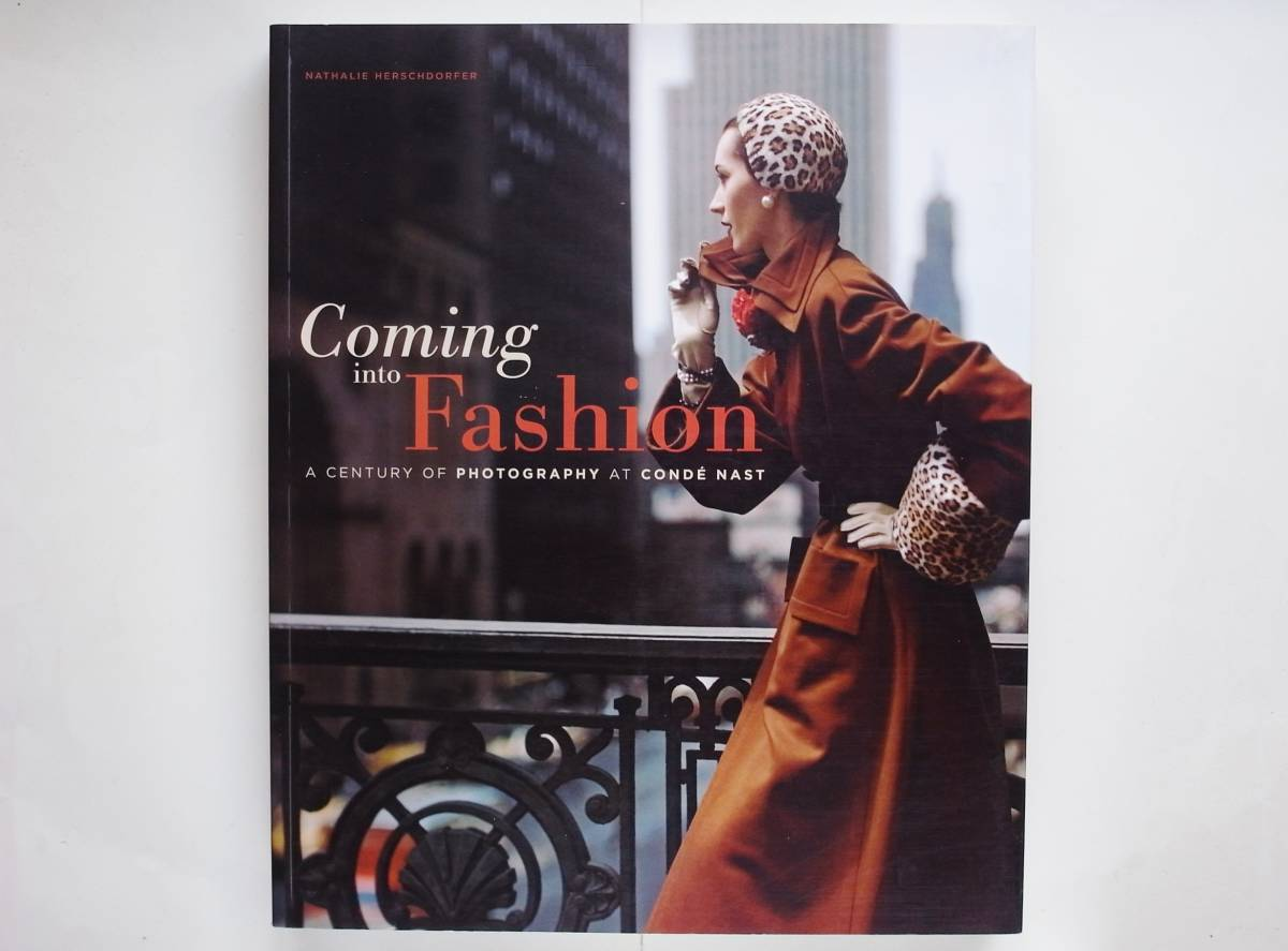 Coming into Fashion A Century of Photography at Conde Nast Erwin Blumenfeld Guy Bourdin Irving Penn_画像1