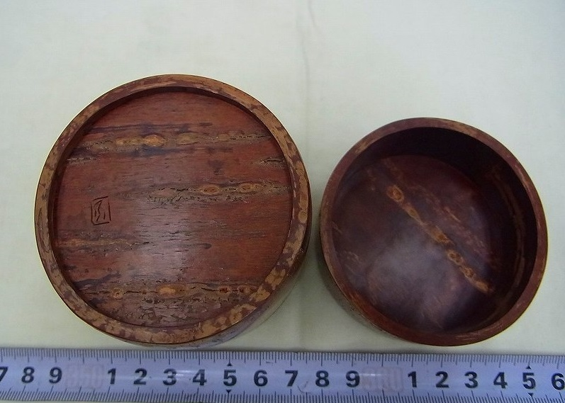 小柳金太郎造 樺細工茶筒 共箱 名人作の貴重な逸品です。送料無料/手工芸品/茶器/茶道具_画像7