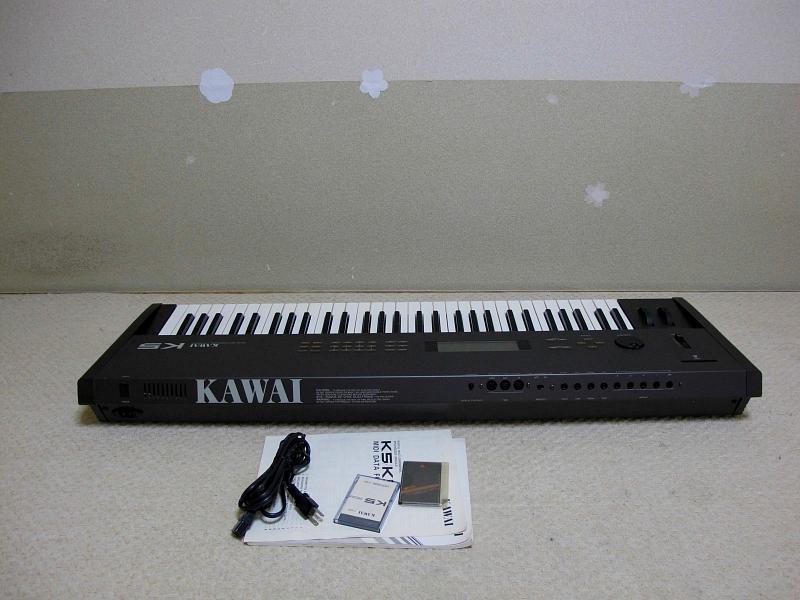 カワイのデジタルシンセサイザー.K5.取説とカード二枚付きです_画像2