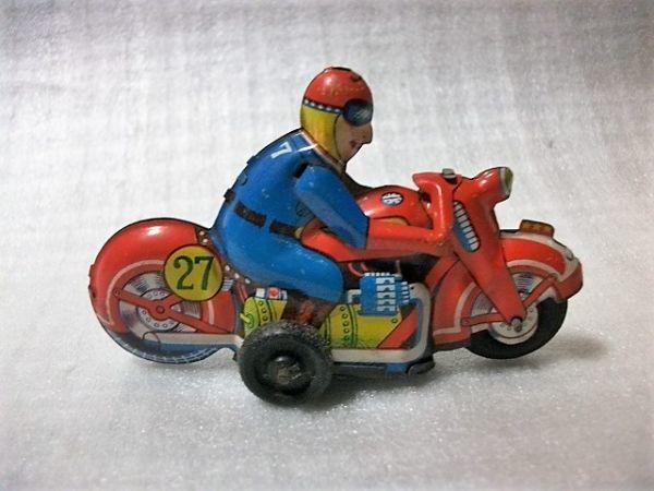 古猫】古いブリキのバイク●ゼンマイ式●91×27×高56㎜●昭和レトロ 輸出用玩具 MADE IN JAPAN 日本製_画像2