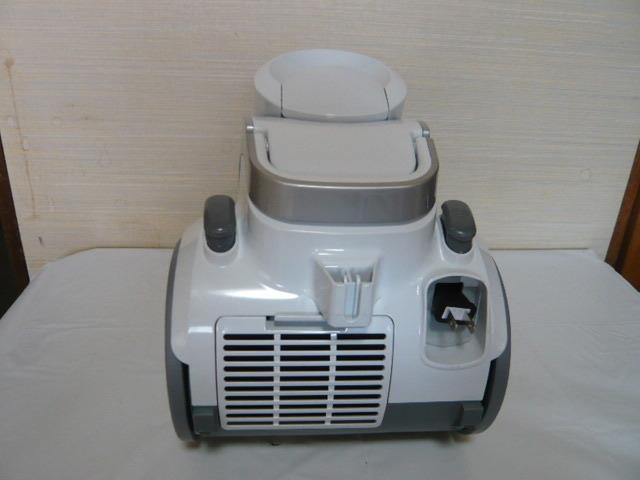 ** アイリスオーヤマ サイクロン掃除機 IC-C100-W 美品 2018年製 **_画像3