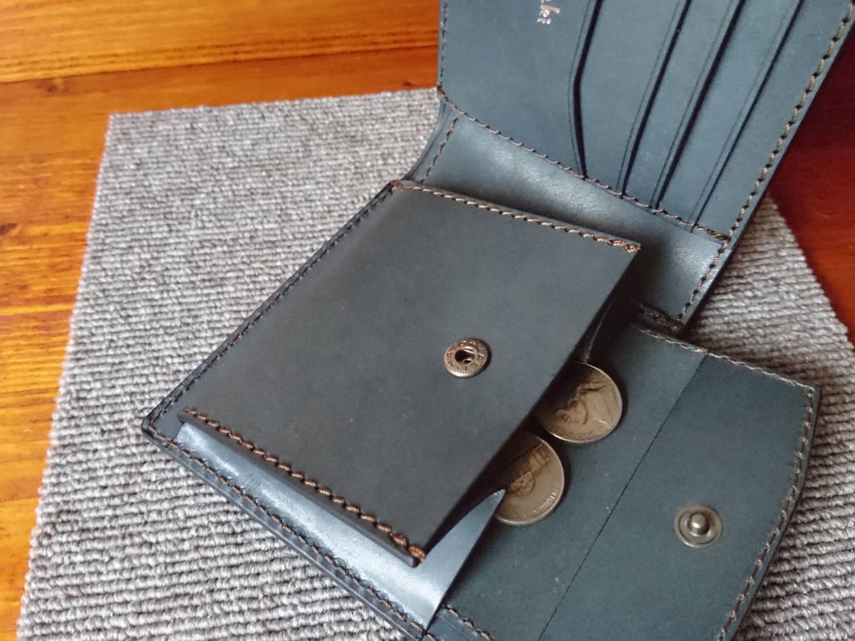 新喜皮革コードバン×牛ヌメ革タンニン鞣し・手作り・ハンドメイド・二つ折り財布 ネイビー×薄縹色_画像3