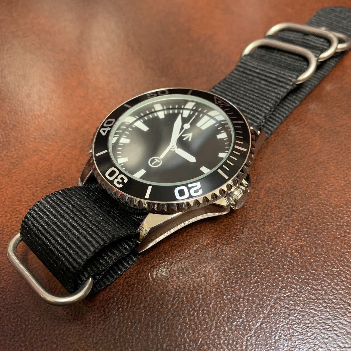新品 未使用 TIME ARROW WATCH ミリタリー ダイバー クォーツ 腕時計 時計 軍用 オマージュ_画像2