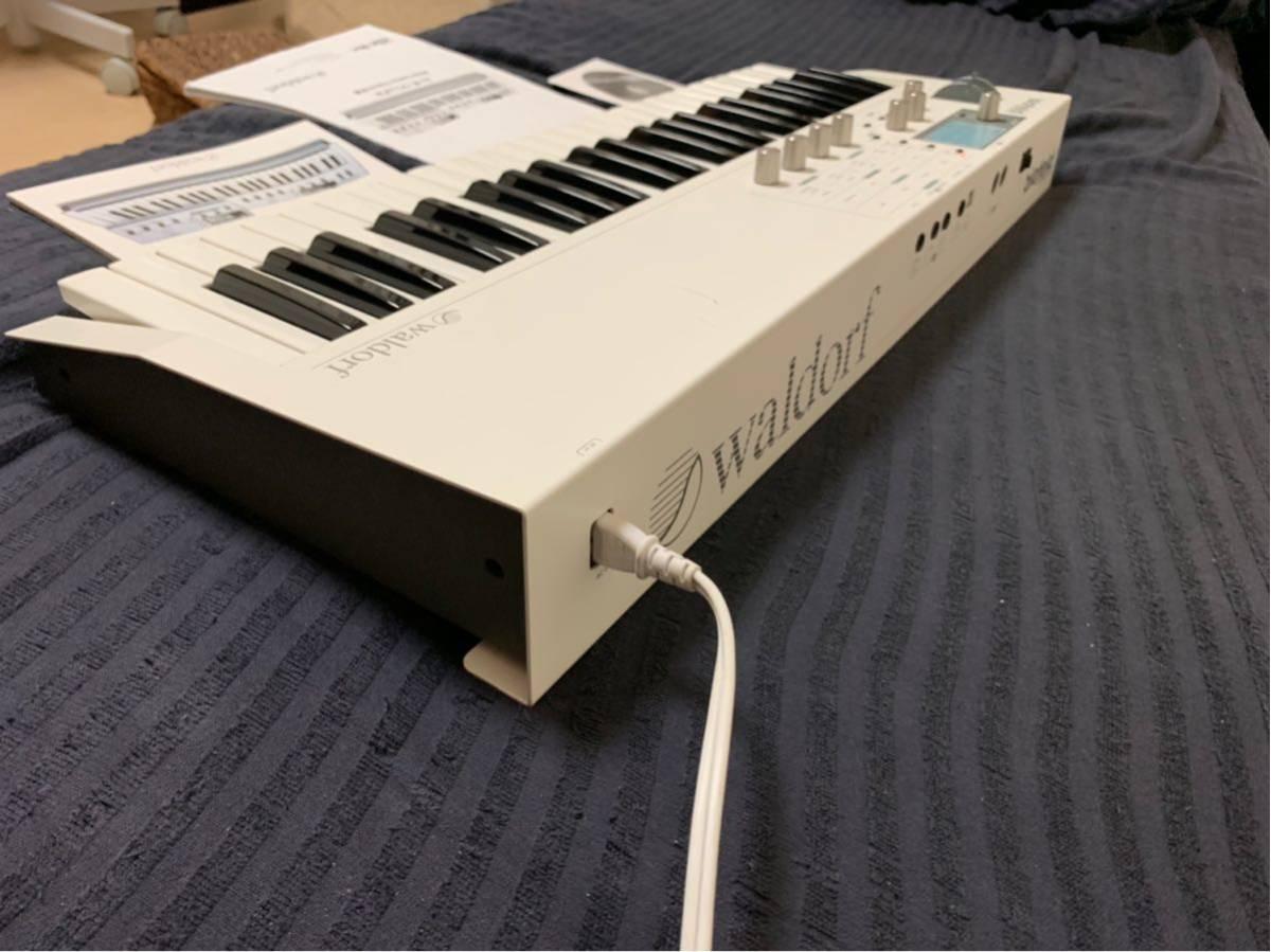 送料込み Waldorf Blofeld Keyboard ノブに難あり それ以外は完動品_画像3