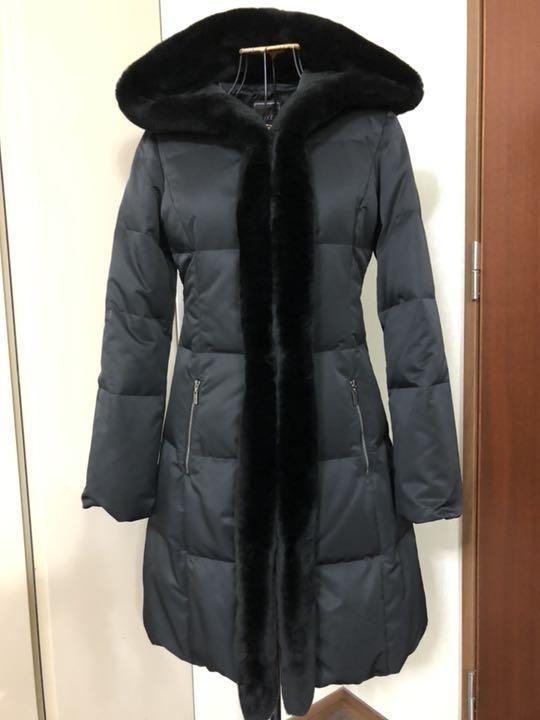 フォクシー ヌートリアファ付きダウンコート 黒 クリーニング済 38ですが、大き目です。_画像1