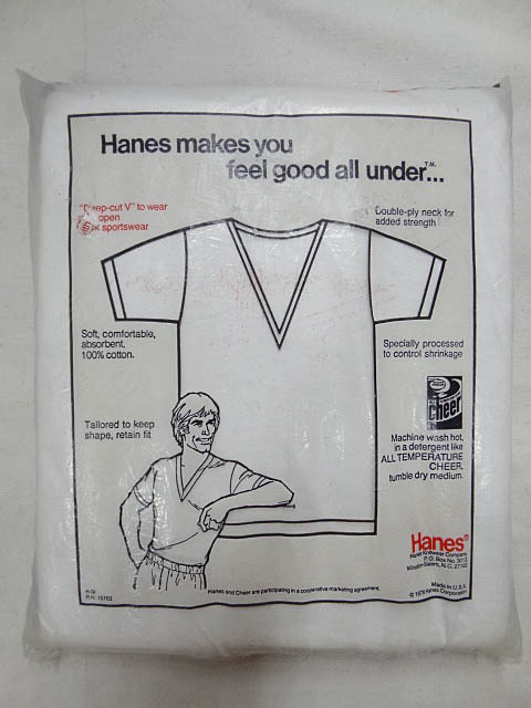 ビンテージ HANES ヘインズ 希少 79年 ディープ Vネック デッドストック 白 ホワイト Tシャツ 1枚 赤 旗 タグ USA製 インナー レア 珍品_画像2