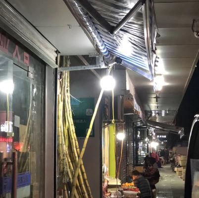 充電式 LED 電球 ランプ ソーラー 充電 ポータブル 緊急 停電 ナイト マーケット ライト 屋外 アウトドア キャンプ 防災 M302_画像7