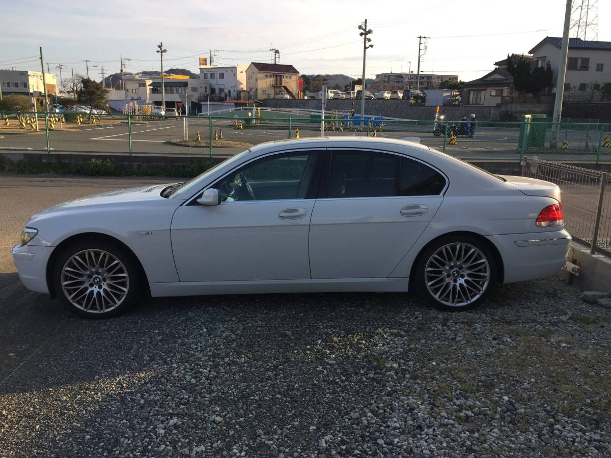 BMW 7  серия  740i bmw 740i