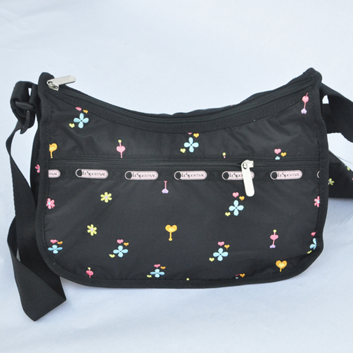 man and woman use BAG * pretty shoulder bag Le Sportsac pouch none embroidery black