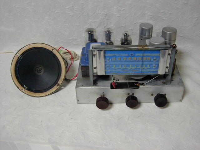 新・電気文化物 復元品 !! 外装自作 メーカー不明 大型ラッパ式 真空管 電気蓄音機_シャシーの前面です
