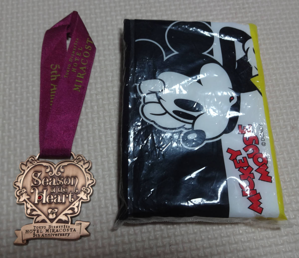 非売品 ディズニー シー ホテル ミラコスタ Season of the Heart ワインメダル 5周年 ハート レア_画像5